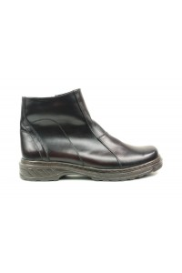 Warm black-brown boots with...