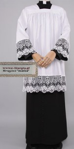 Surplices with 18cm Guipure Lace - Lined with Black Fabric - Surplices with Guipure Lace - Priests' Surplices - Liturgical-Clothing.com
