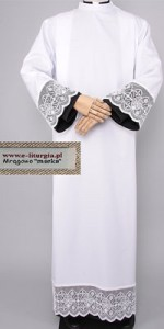 Albs with 18cm Guipure Lace - Lined with Black Fabric - Albs with Guipure Lace - Priests' Albs - Liturgical-Clothing.com